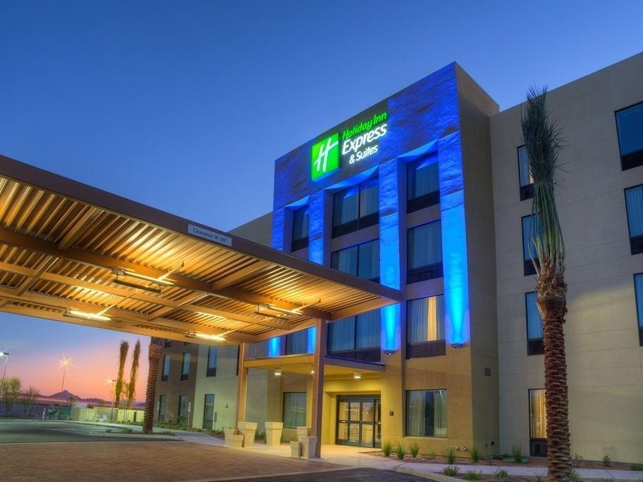 Holiday Inn Express Hotel And Suites Phoenix North - Scottsdale