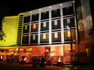 APEX INTERCONTINENTAL HOTEL