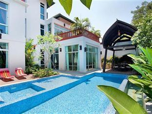 Nagawari Chic Villa Pattaya - Swimming pool