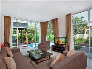 Nagawari Chic Villa Pattaya - Living room