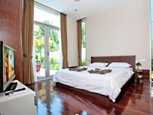 Nagawari Chic Villa Pattaya - Ground floor bedroom