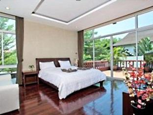 Nagawari Chic Villa Pattaya - First floor master bedroom