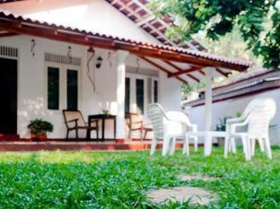 Blanca Cottage