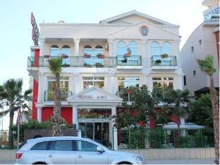 http://cdn1.agoda.net/hotelimages/467/467114/467114_13091209260015075437_STD.jpg