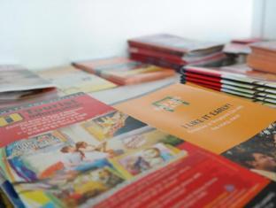 Plush Pods Hostel Singapore - Information brochures