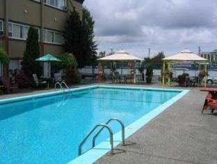 Comfort Inn Vancouver Airport Richmond (BC) - Swimming Pool