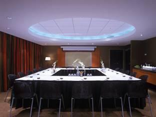Opus Hotel Vancouver (BC) - Meeting Room