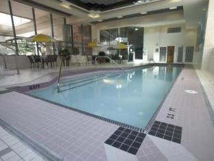Rosedale On Robson Suite Hotel Vancouver (BC) - Swimming Pool