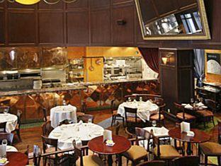 Hotel Le Soleil By Executive Hotels Vancouver (BC) - Restaurant