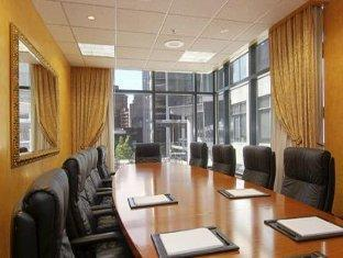 Hotel Le Soleil By Executive Hotels Vancouver (BC) - Meeting Room