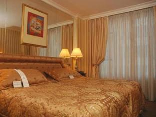 Hotel Le Soleil By Executive Hotels Vancouver (BC) - Guest Room