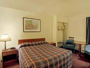 Travelodge Calgary Macleod Trail Hotel Calgary (AB) - Guest Room
