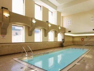 Travelodge Calgary Macleod Trail Hotel Calgary (AB) - Swimming Pool