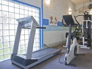 Howard Johnson Victoria Hotel Victoria (BC) - Fitness Room