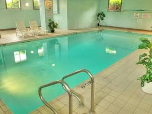 Travelodge Victoria Hotel Victoria (BC) - Swimming Pool