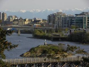 Travelodge Victoria Hotel Victoria (BC) - View