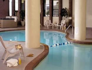 Radisson Toronto East Hotel Toronto (ON) - Bể bơi