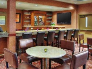 Radisson Toronto East Hotel Toronto (ON) - Quầy bar/Pub