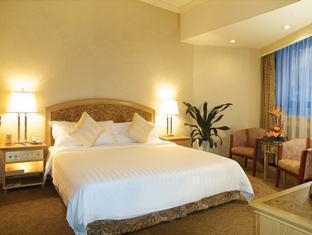 Century Plaza Hotel - Room type photo