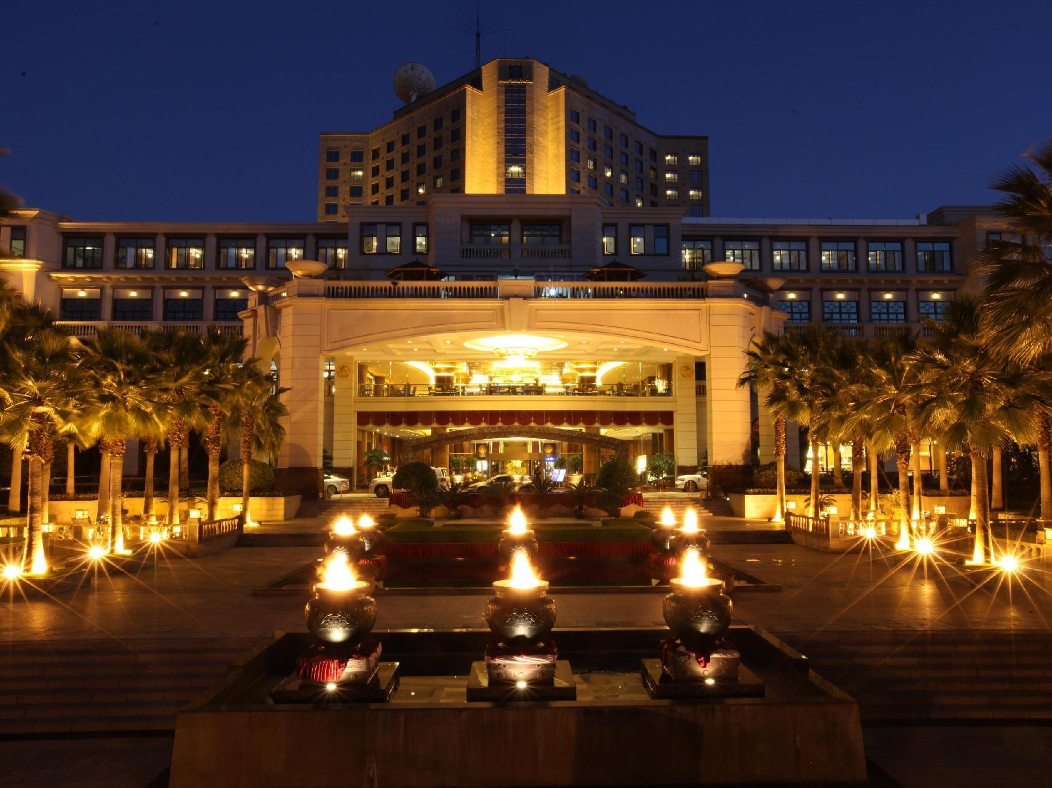Kunming Green Lake Hotel - Kunming