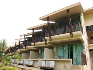 Beringgis Beach Resort & Spa Kota Kinabalu - Hotellet från utsidan
