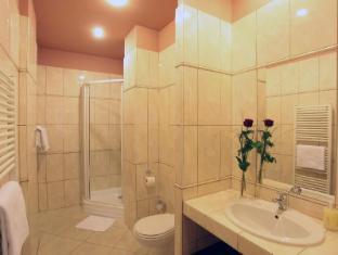 Atlantic Hotel Prague - bathroom