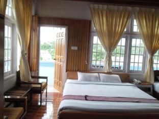 Pine Breeze Hotel Калав - Номер