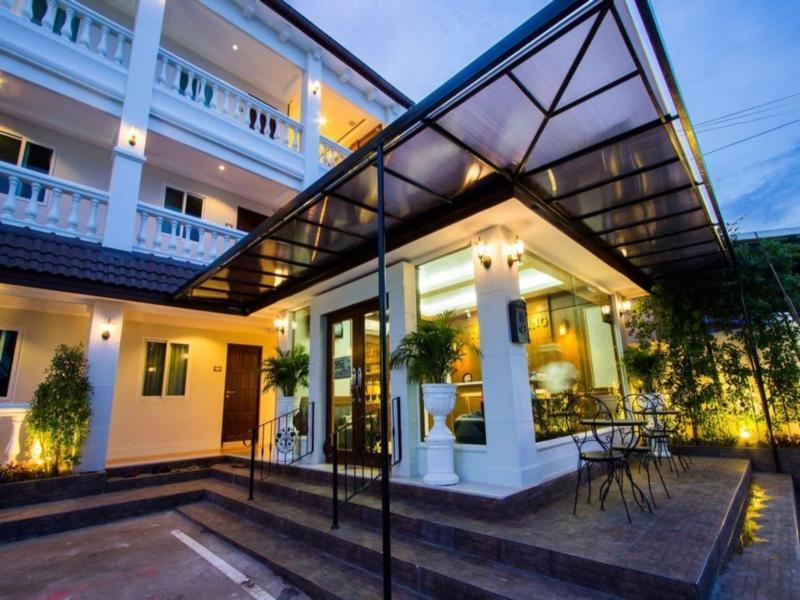 Hotell The Lion King Hotel i , Udonthani. Klicka för att läsa mer och skicka bokningsförfrågan