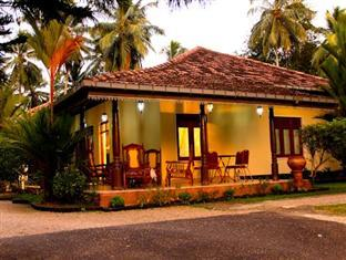 Muthugala Rest Bed and Breakfast Gampaha / Katunayake - Front View