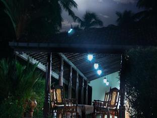Muthugala Rest Bed and Breakfast Gampaha / Katunayake - Evening View