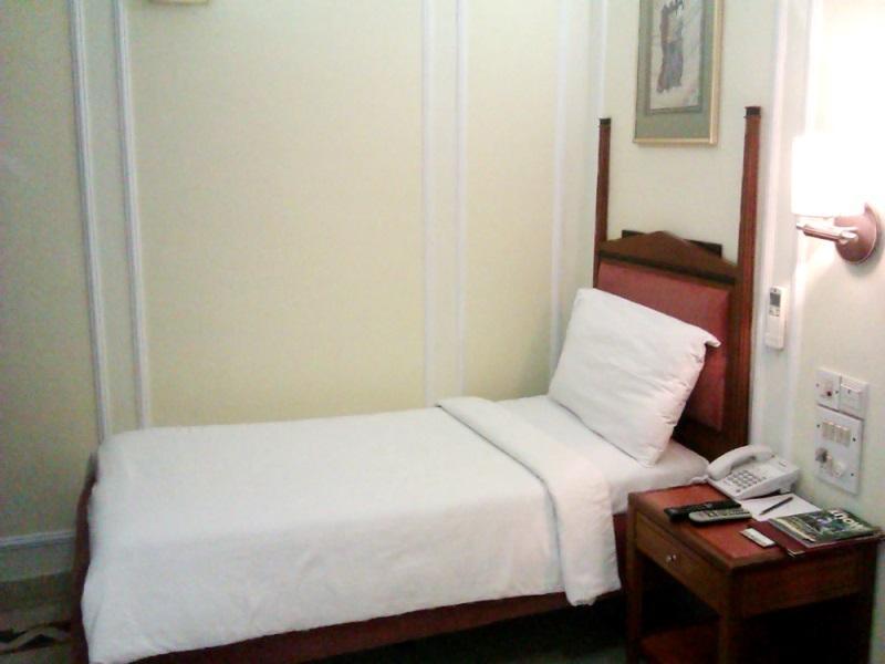 Hiltop Hotel - Mumbai
