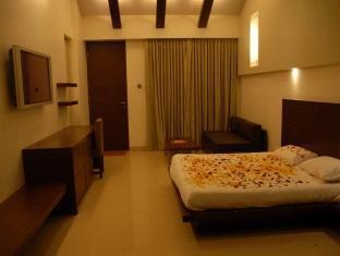 Silver Sands Beach Resort Daman - Club Luxury