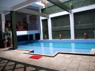 The Flores Syariah Villa picture