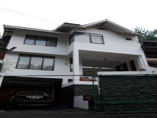 The Flores Syariah Villa