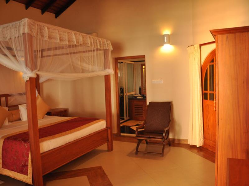 Warahena Beach Hotel - Hotels and Accommodation in Sri Lanka, Asia