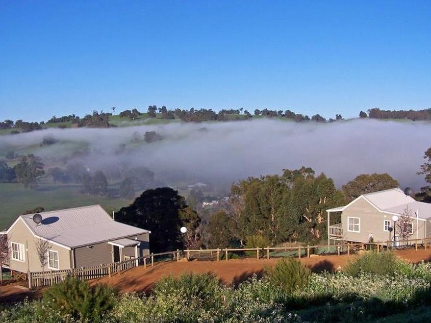 Balingup Vista Chalets - Hotell och Boende i Australien , Donnybrook