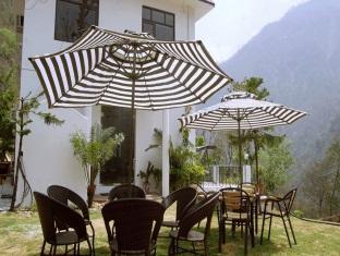 Explore Himalayas Resort Rishikesh - Restaurant