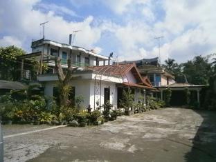 Mahesi Kanaka Hotel