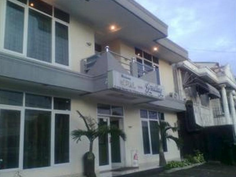 Hotel Gemilang - Hotels and Accommodation in Indonesia, Asia