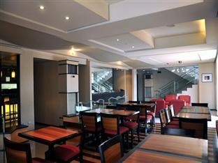 Soleste Suites Manila - Lobby and Breakfast Lounge