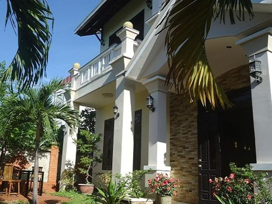 Villa Riverview