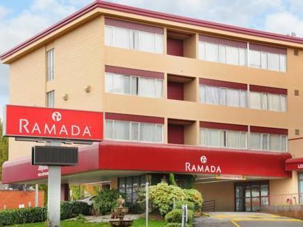 Ramada & Suites Metrotown Vancouver Hotel