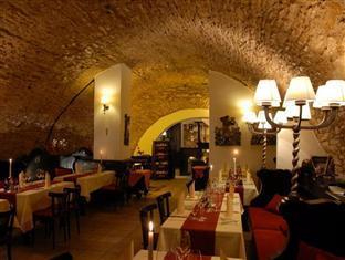 Best Western Plus Hotel Meteor Plaza Prague - Wine cellar restaurant