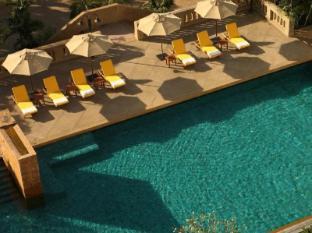 Dusit Princess Srinakarin Hotel Bangkok - Swimming Pool