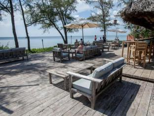 Mango Bay Resort Phu Quoc Island - Beach Bar Deck