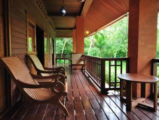 Baan Mai Cottages and Restaurant Phuket - balkon/terasa