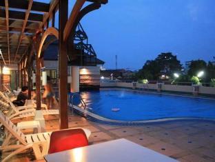 โรงแรมเทวราช น่าน - สระว่ายน้ำ