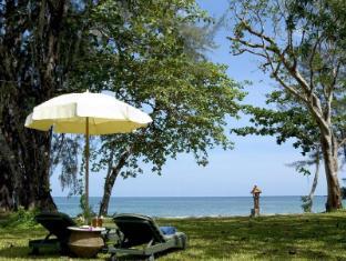 Khaolak Merlin Resort Khao Lak (Phang Nga) - Beach lawn