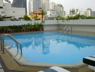Swiss Park Hotel Bangkok - Swimming pool