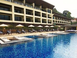 The Blue Marine Resort & Spa Phuket - Hotellet från utsidan